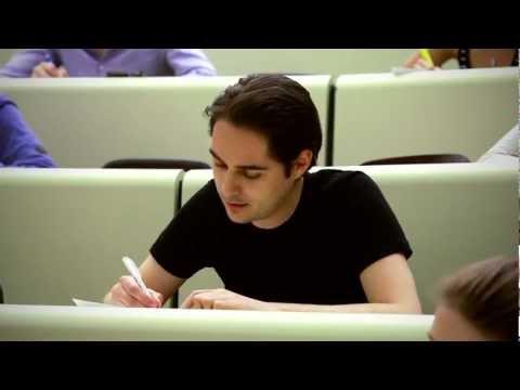 Lustiger Student bei Prüfung - Remake icons