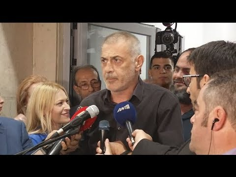 Κλίμα ενθουσιασμού στο εκλογικό κέντρο του υποψηφίου και νυν δημάρχου Πειραιά, Γιάννη Μώραλη