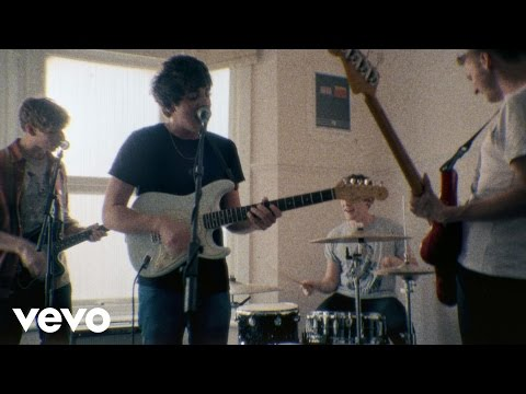 Tekst piosenki Circa Waves - Young Chasers po polsku
