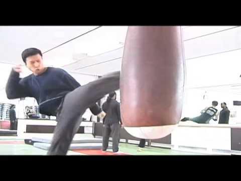 看過甄子丹練習,才發現真實的他其實比電影裡的他還要猛
