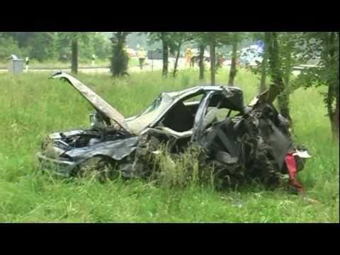 21-jähriger Autofahrer bei Unfall schwer verletzt