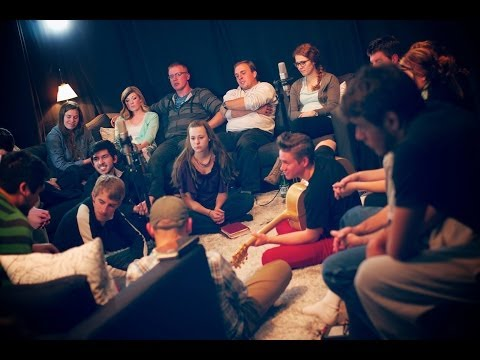 spontaneous - Closer - by Bethel - WorshipMob (plus other spontaneous worship) (part of a longer worship session, available at: http://youtu.be/BuzZX2VWD-I) Subscribe & jo...