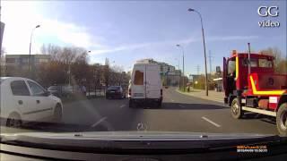 Zgubić holowanego busa na skrzyżowaniu w Warszawie! Bezcenne :D