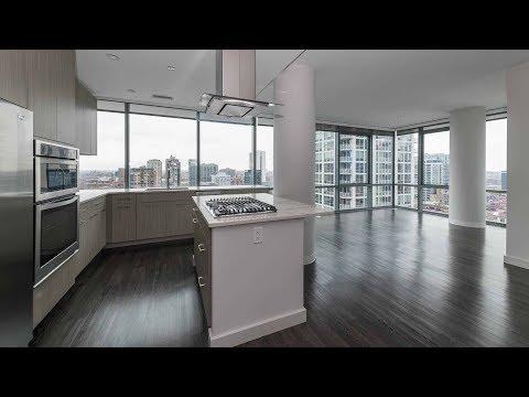 A high-floor 2-bedroom, 2-bath at River North's new SixForty