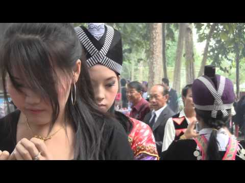 BEAUTIFUL BEAUTIFUL HMONG GIRLS