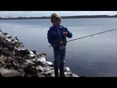 Oostvoornsemeer - Monstervis TV: vissen op forel in het Oostvoornse meer met Ivo. Kijk op monstervis.nl nog even dit we vissen met een dreg waar we twee haken van hebben afgek...