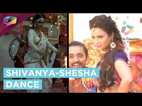 Mouni Roy and Adaa Khan's special Holi performance