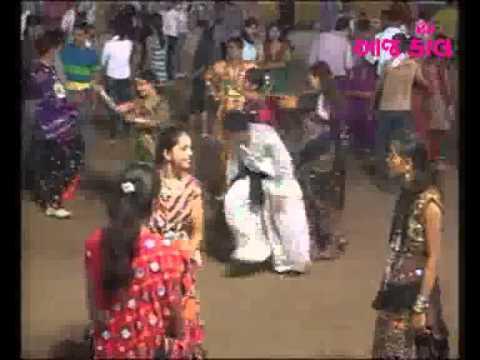 Video aajkaal navratri   2011 01 download in MP3, 3GP, MP4, WEBM, AVI, FLV January 2017