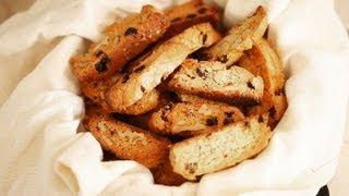 Biscotti met rozijnen en walnoten
