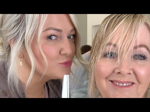 Hairdresser - CUTTING & SHAPING