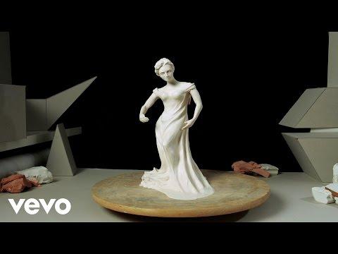 Tekst piosenki Renata Przemyk - Rzeźba Dnia po polsku