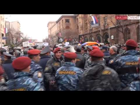 Պուտինի այցի առիթով բողոքը շարունակվում է - DomaVideo.Ru