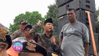 Download Video Menegangkan Aksi Nekat Wakil Bupati Trenggalek Terjun Ditengah Aksi Demo Nelayan - bioztv.id MP3 3GP MP4