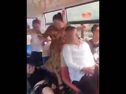 Nếu muốn có ghế ngồi trên xe bus bạn hãy thử theo cách này :v