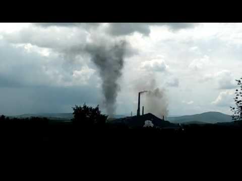 В Карабаше сняли на видео смерч