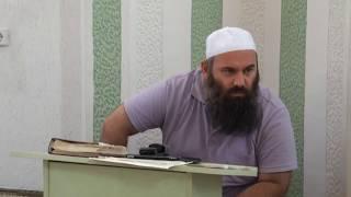 Si duhen të respektohen Muslimanët duke u falur - Hoxhë Bekir Halimi