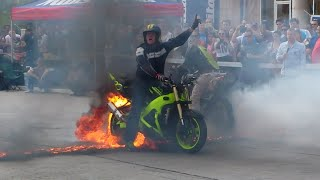 Video Moto Stunt Show di Sebiş Enduro Tantangan 2015 MP3, 3GP, MP4, WEBM, AVI, FLV Agustus 2017