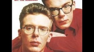 Download Lagu The Proclaimers-King of the Road-Lyrics Mp3