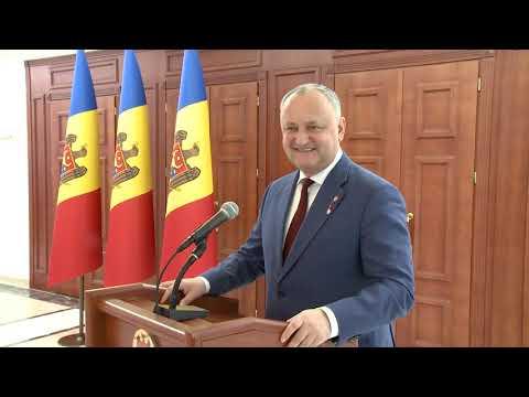 Președintele Republicii Moldova a felicitat peste 100 de doamne distinse cu prilejul Zilei Internaționale a Femeii