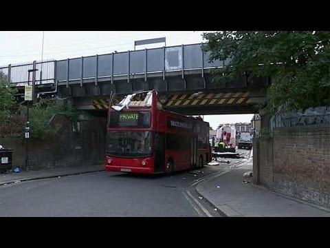 <h2><a href='http://webtv.eklogika.gr/londino-atichima-me-diorofo-leoforio' target='_blank' title='Λονδίνο: Ατύχημα με διώροφο λεωφορείο'>Λονδίνο: Ατύχημα με διώροφο λεωφορείο</a></h2>