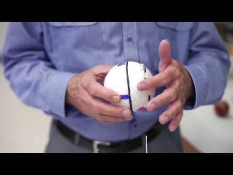 Wie man einen Baseball rundet oder einen Cricket Ball schwingt