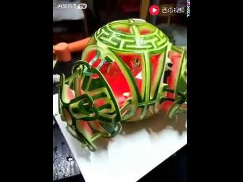 Праздничный фонарик из арбуза