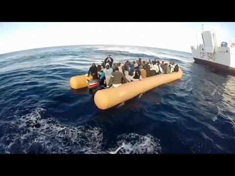 Συνεχίζονται οι αφίξεις μεταναστών σε Ιταλία και Ελλάδα