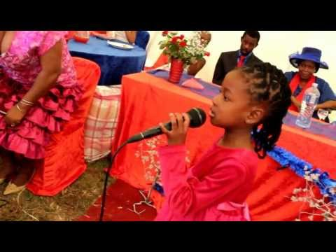 S'phiwokuhle Shandu singing Lomhlengi ungubani.MOV