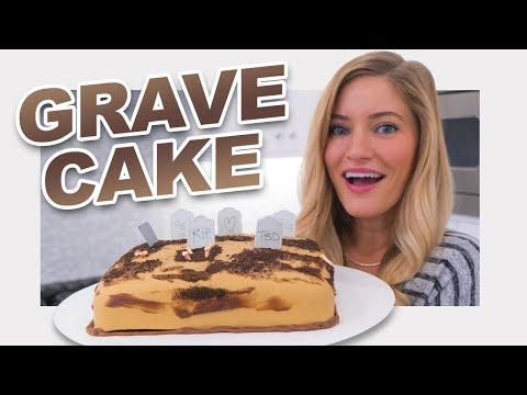 💀 Halloween Grave Yard Cake!