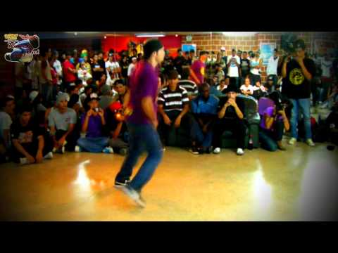 Knock Out 2011. B.boy Hector vs B.boy Zoom. Segunda Ronda. Urban Flow.