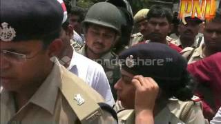 lady ips officer crying in up