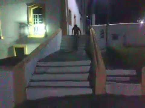 descendo escadaria da cadeia do sal  em Jaguaripe