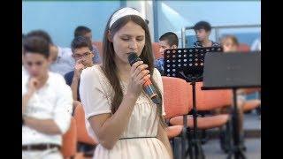 Amalia – De când Te cunosc Isuse, nu sunt singur…