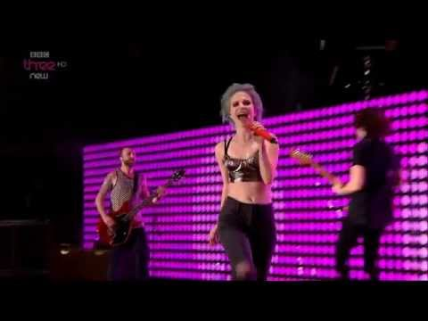 [HD] Paramore: Ain't It Fun (Reading Festival 2014)
