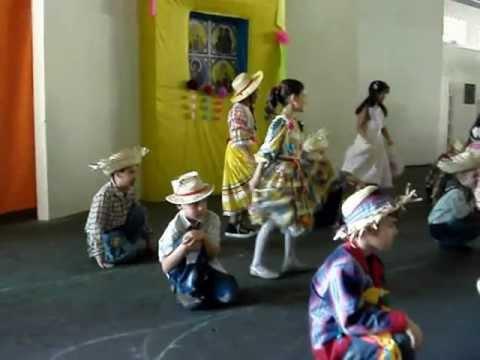 Colégio Objetivo Jr. em Monte Alto - Festa Junina