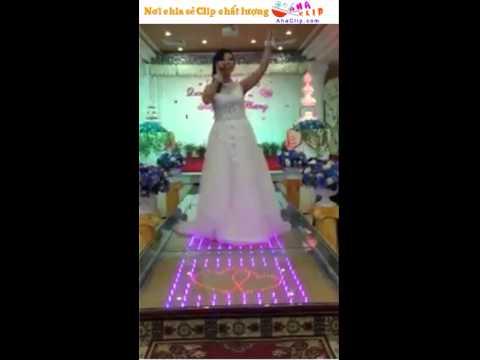Cô dâu hát đám cưới hay nhất lịch sử Vịnh Bắc Bộ :3