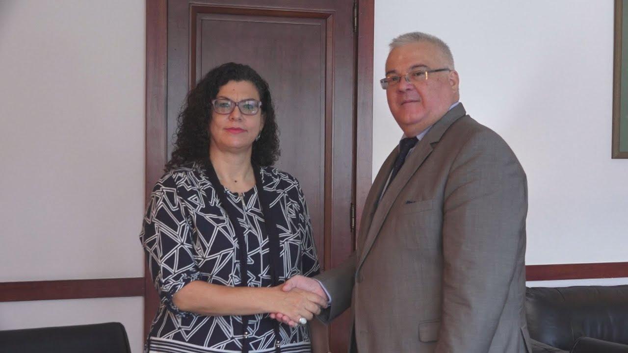 Συμφωνία συνεργασίας ΟΑΕΔ και ΑΠΕ-ΜΠΕ για άνεργους πτυχιούχους δημοσιογράφους