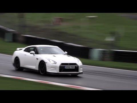 Porsche 911 Turbo S, Nissan GT-R Track Pack