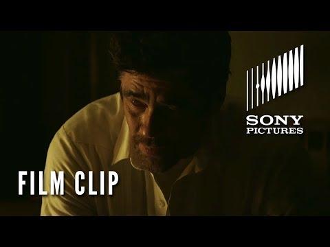 """Sicario: el día del soldado - Movie Clip-""""Turning Alejandro Loose""""?>"""