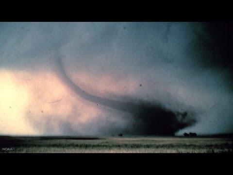 US tornado deaths hit 30-year low