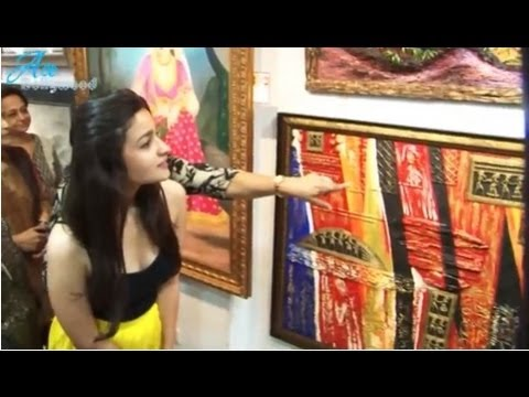 Cute Alia Bhatt  at EXHIBITION 'SPLASSH'