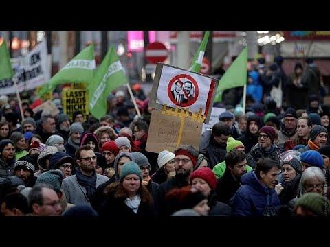 Μαζικές διαδηλώσεις κατά του ρατσισμού στην Αυστρία