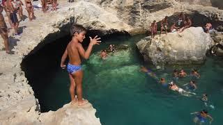 Video Lorenzo 5 anni Tuffi grotta della poesia 2015 MP3, 3GP, MP4, WEBM, AVI, FLV Januari 2019