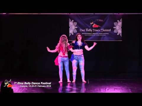 Giada e Regina in Street shaabi (видео)