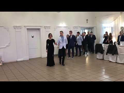 Wideo1: Polonez na Balu Zawodowców ZSZ w Rawiczu