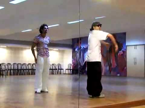 Kites Behind The Scenes - Hrithik & Flexy Rehearsal