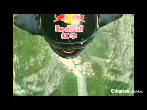 Jeb Corliss - Wingsuit Gliding Through A Mountain