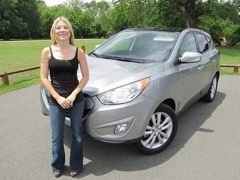 Roadfly.com – 2010 Hyundai Tucson SUV Road Test Review