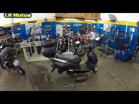 LR Motos  - Troca do Pneu Traseiro da Honda Lead 110 Preta - 6188