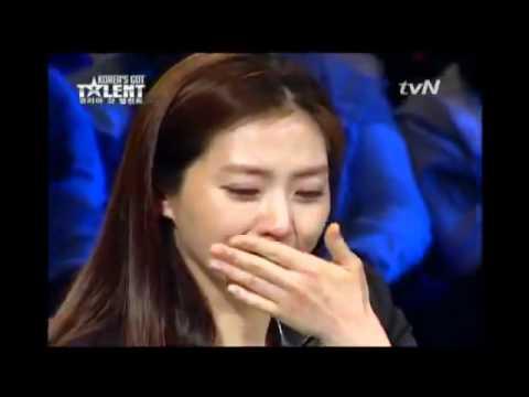 Niño sin hogar se roba el show de talentos (Korea)